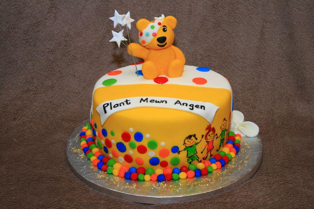dekoracje cukiernicze na tort